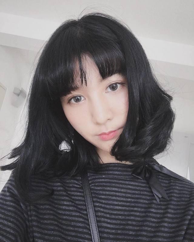 Kiểu tóc ngang vai cho mặt tròn đẹp 17