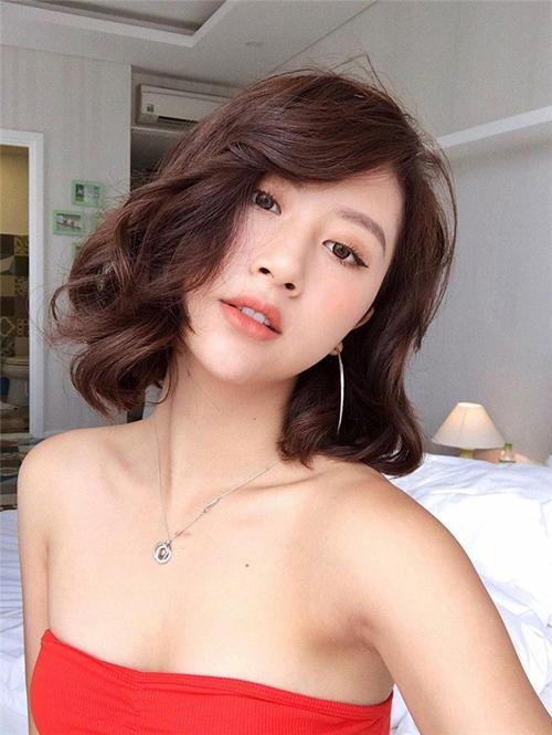 tóc ngắn xoăn nhẹ 14
