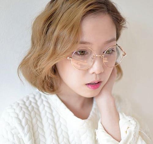 tóc ngắn xoăn nhẹ 24