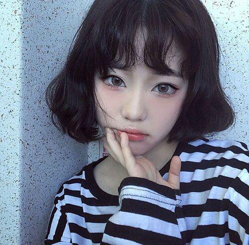 tóc ngắn xoăn nhẹ 8