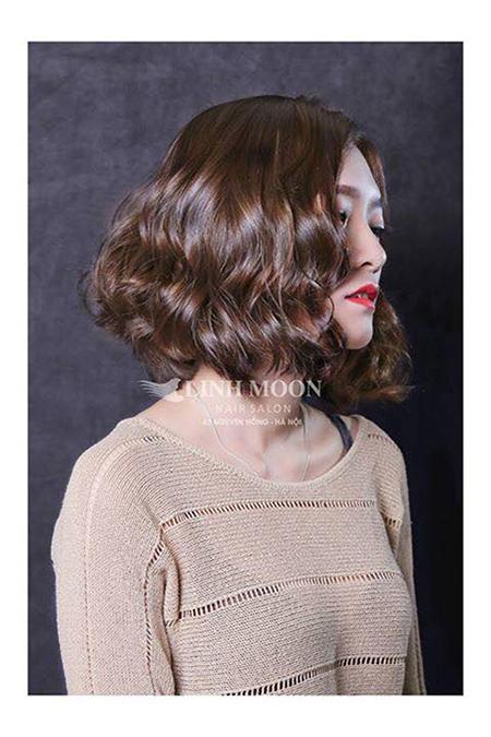 kiểu tóc ngắn uốn xoăn 16